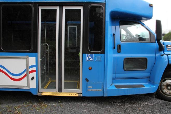 HandicapDoorOnBigBus